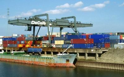 ruhrtal-radweg-containerhafen-duisburg