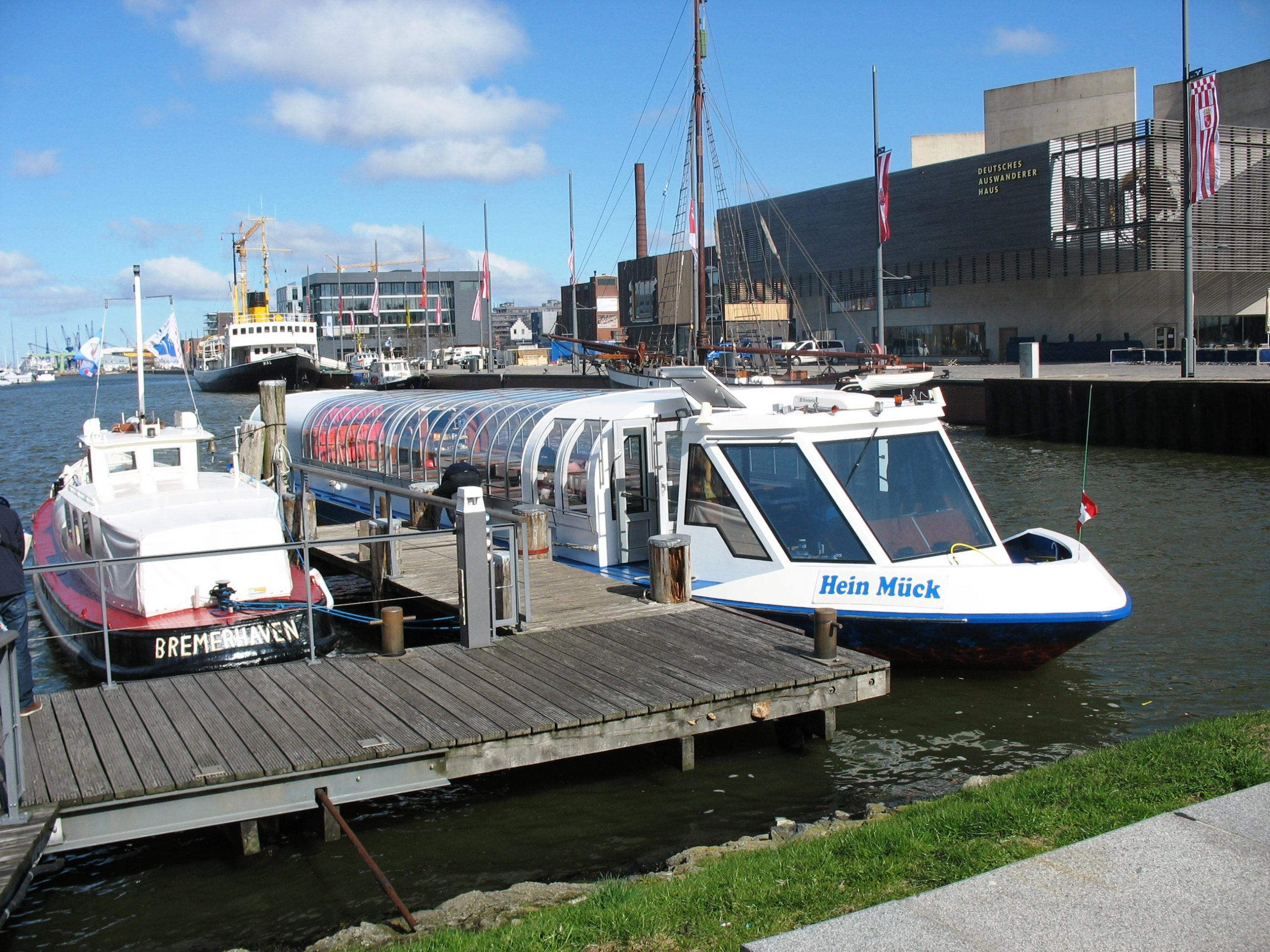 weser-radweg-ausflugsschiff